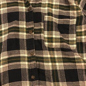 3c2280101eb Abercrombie   Fitch Tops - Women s Abercrombie and Fitch flannel